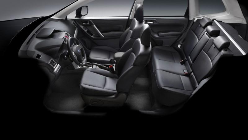 Компоновка салона Subaru Forester 2015-2016
